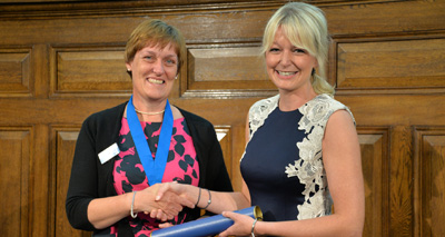 Hayley Walters presented with award at RCVS Day