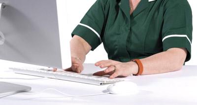 Vet nurses must join RCVS register or cease practice